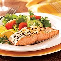 SALMON-STEAK WITH SALAD