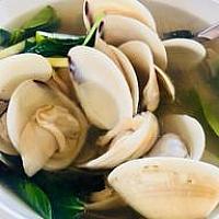 CLAM CLEAR SOUP WITH LEMONGRASS ต้มตะไคร้หอยขาว