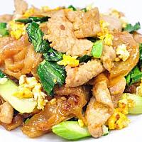 Fride big noodle with pork/chicken/shrimp/squid