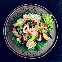 Yum woon sen seafood