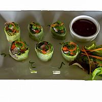 Fresh Vegetable Spring Roll with Prawn