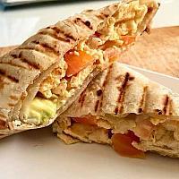Breakfast wrap (avocado, scramble egg)