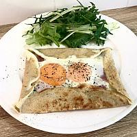 Buckwheat crepe(Fried egg, ham )