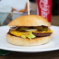 Vegan OmniBeef Cheeseburger