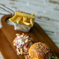 Koh Khun Thai burger