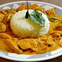 Paneng curry with chicken