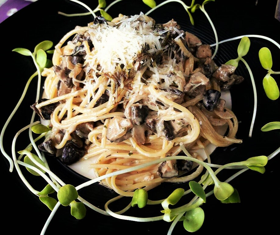 Spaghetti with truffled Mushroom Cream Sauce