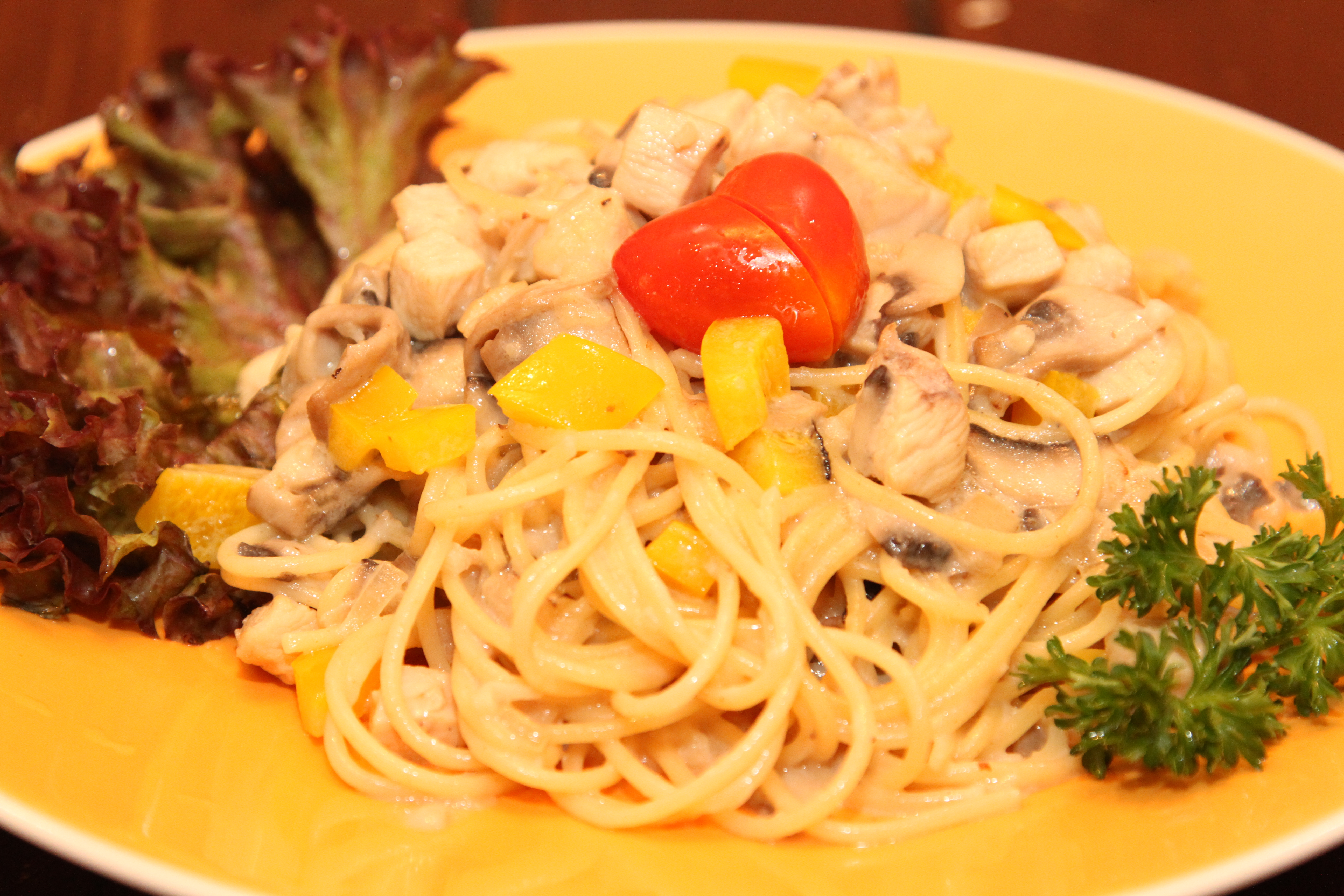 Pasta with Mushrooms, Cream sauce and Chicken
