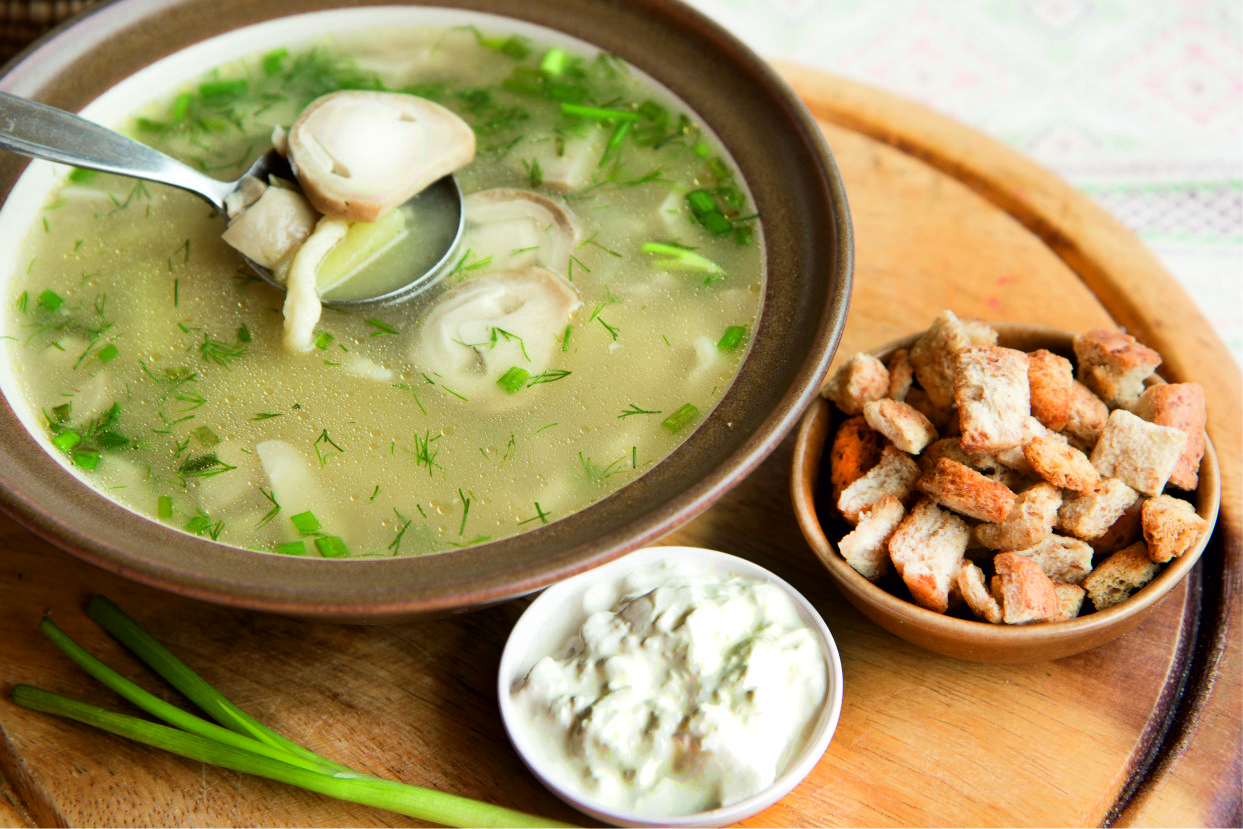 Mushroom soup «Forester's lunch»