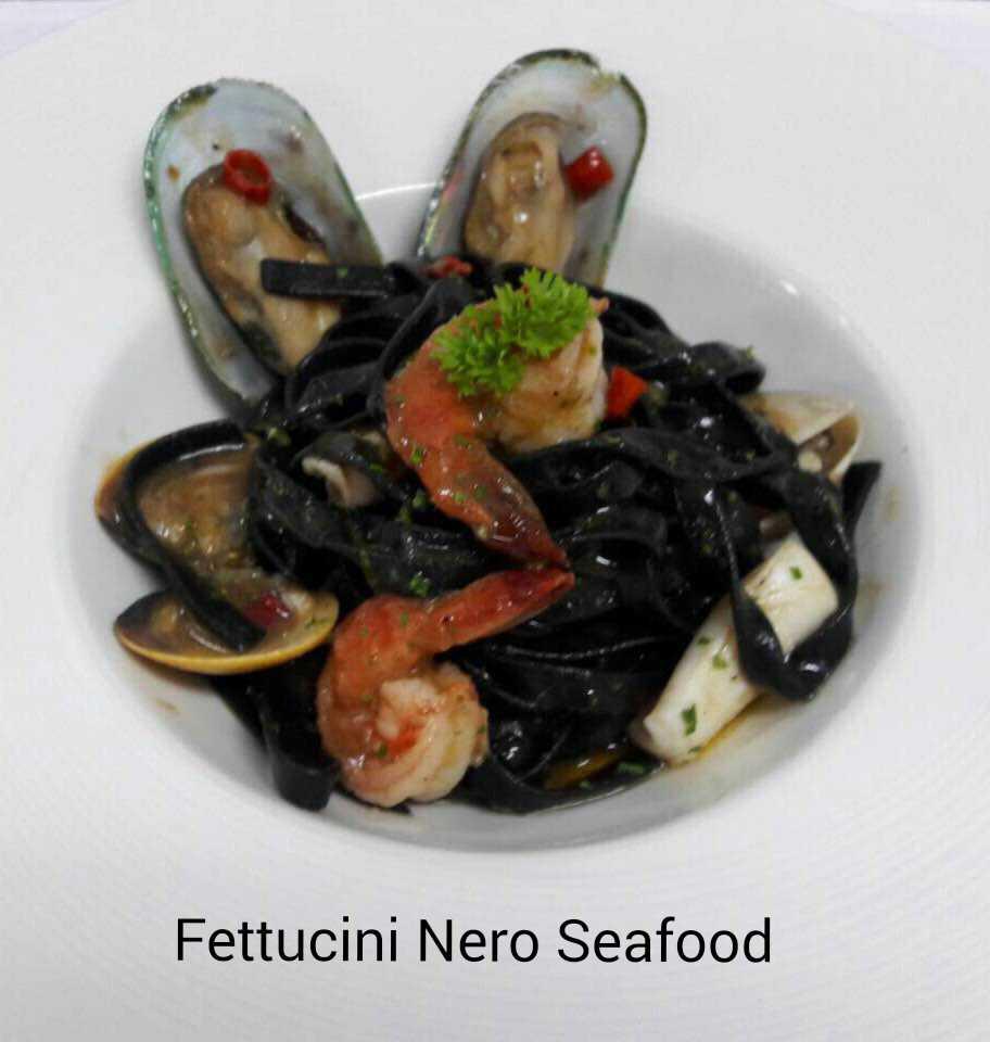 FETTUCCINE  NERO SEAFOOD (Code 16)