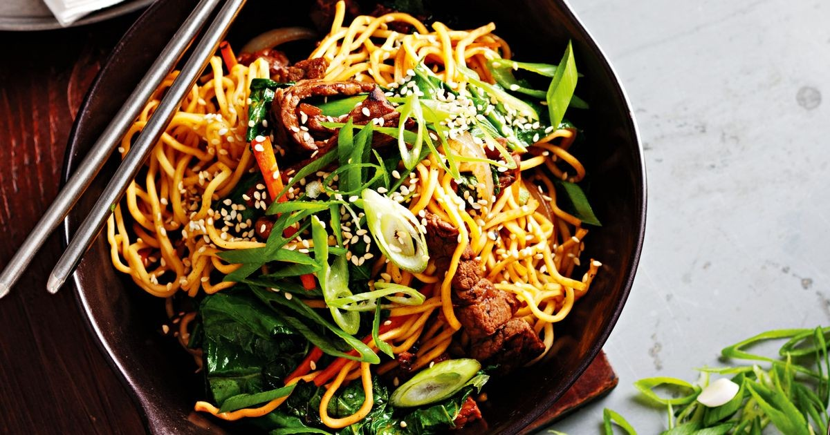 Chow Mein noodles with beef