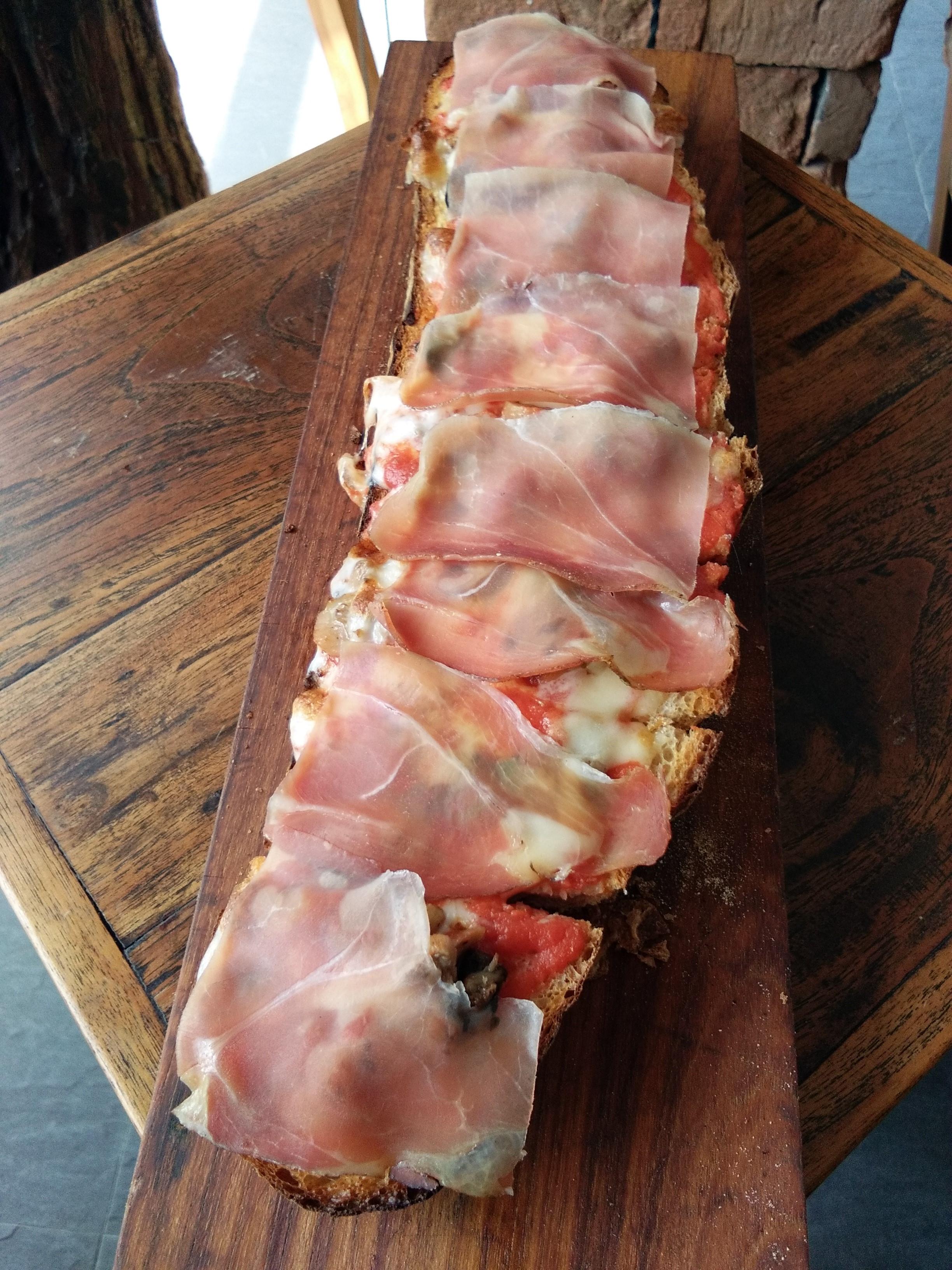 Italian smoked ham and mushrooms