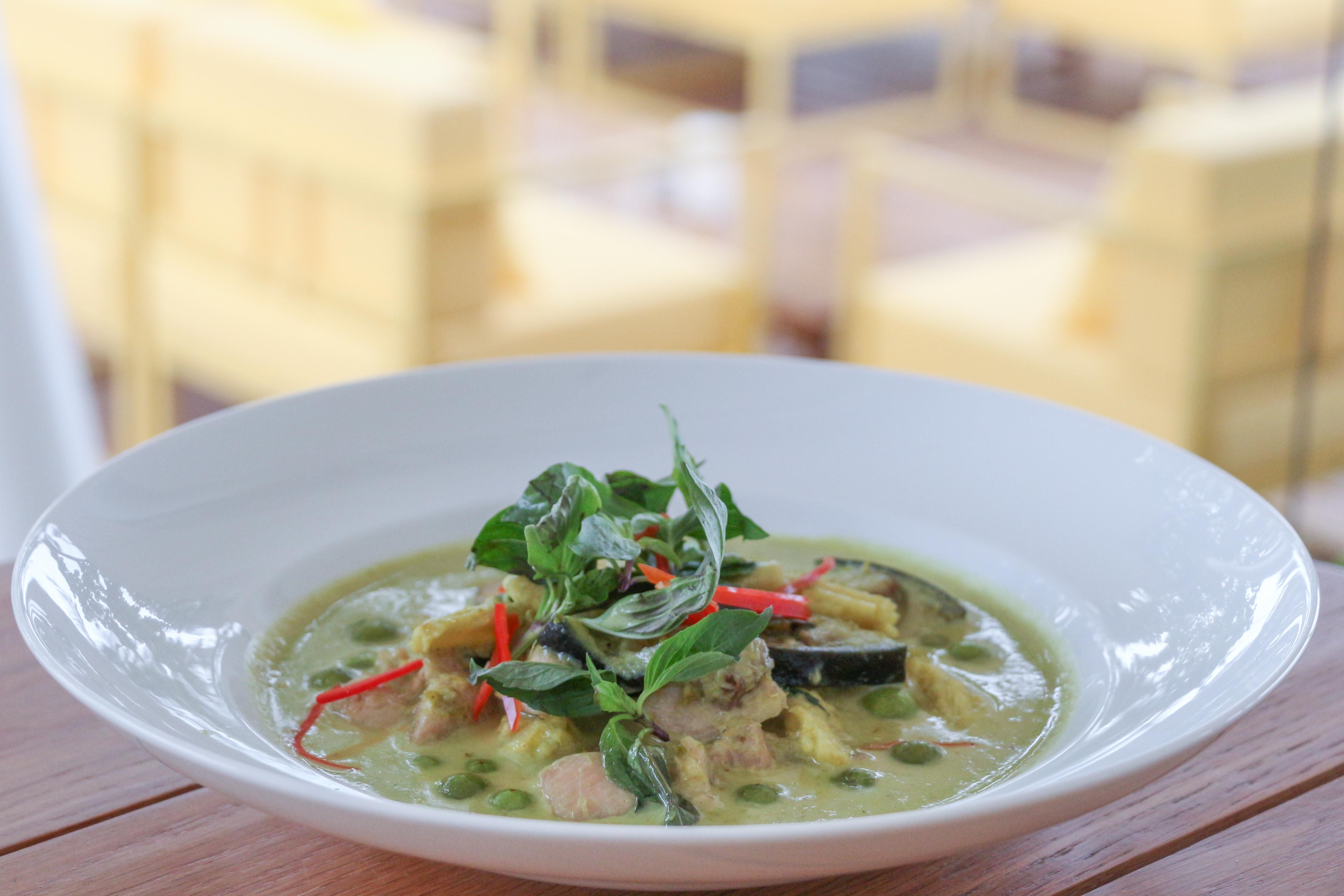 Keaw Waan (green curry)