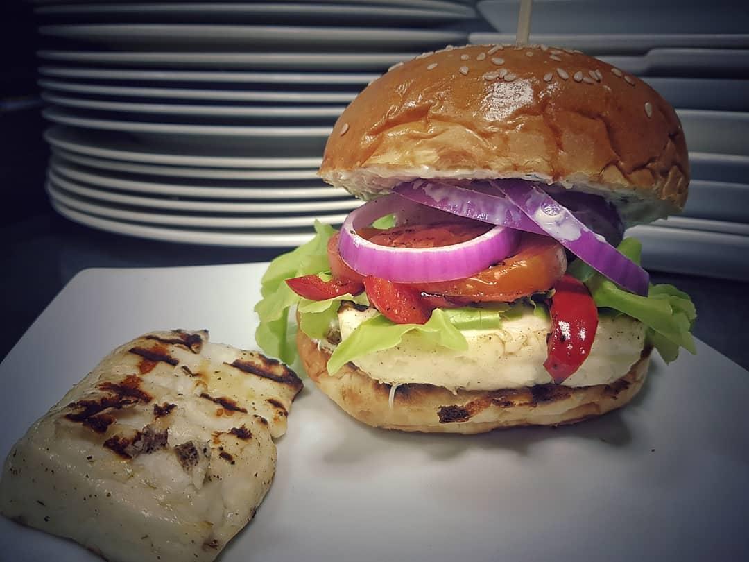 Halloumi Burger including Side Choices