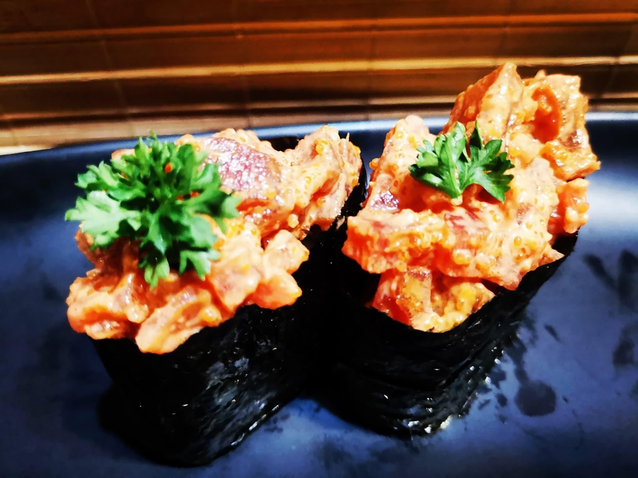 Spicy Salmon Gunkan